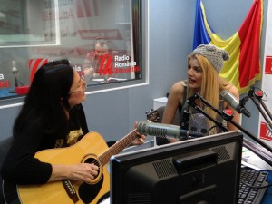 Mihaela Popescu si Theodora live la RRA