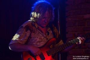 Stu Hamm live in Tribute Club