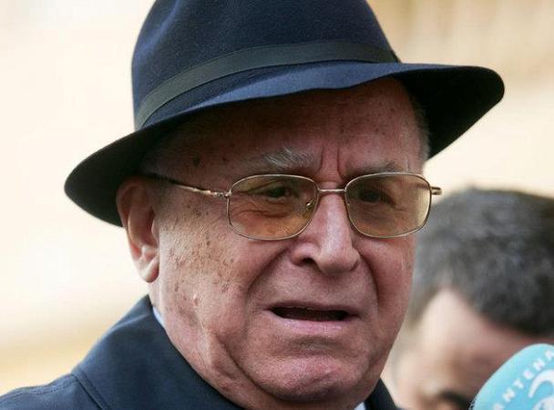 Ion Iliescu a