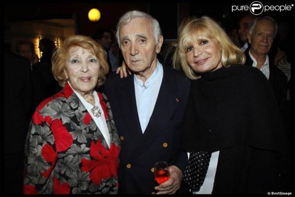 Charles Aznavour, alături de sora lui, Aida, și fiica lui cea mare, Seda