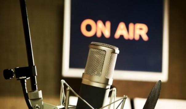 radio-microfon-on-air a