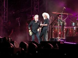 Brian May si Rogert Taylor in Romania