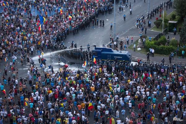 proteste bucuresti gaze lacrimogene jandarmi