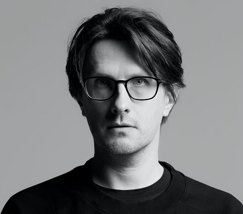 """Steven Wilson a lansat single-ul """"Man of the people"""" - VIDEO"""