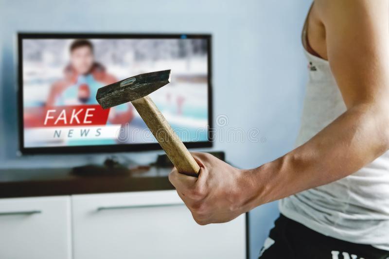 România TV, un post mai nociv decât 10 site-uri interzise